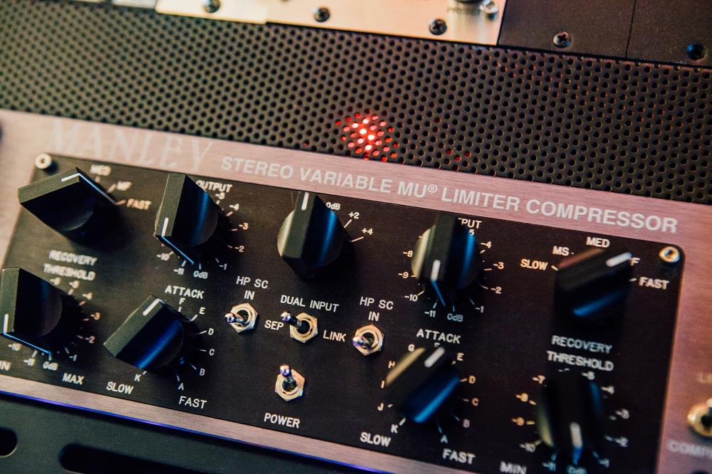 Gravity Studios Chicago Manley Stereo Mu Limitor Compressor.jpg