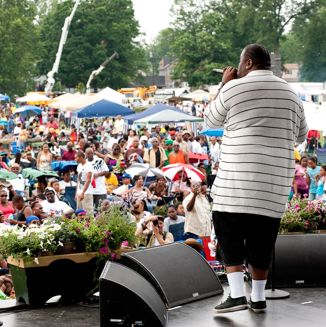Biz Markie with crowd.jpg