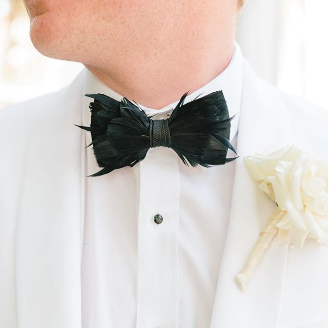 Cole's choice of @brackishbowties to go with his classic white dinner jacket is on point! Love the combo! . . . . . . #emilymeeksphotography #emilymeeksphoto #charlestonweddingphotographer #chswedding #chsweddingphotographer #theknotcarolinas #southernwedding #southernbride #stylemepretty #engagedtothedetails #bridesmagazine #huffpostweddings #weddingphotographer #brideandgroom #empbride #chsphotographer #huffpostido #theknot #brideandgroomdetails #charlestonbride #thecarolinasmagazine #trendybride