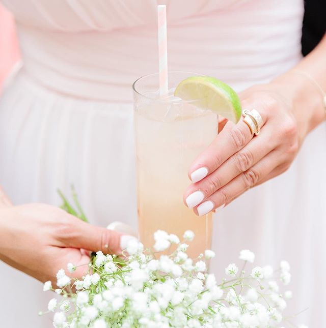 Wish I had this signature cocktail in hand to sip on this hot hot day 🔥 . . . . . . #emilymeeksphotography #emilymeeksphoto #charlestonweddingphotographer #chswedding #chsweddingphotographer #theknotcarolinas #southernwedding #southernbride #stylemepretty #engagedtothedetails #bridesmagazine #huffpostweddings #weddingphotographer #brideandgroom #empbride #chsphotographer #huffpostido #theknot #brideandgroomdetails #charlestonbride #thecarolinasmagazine #trendybride