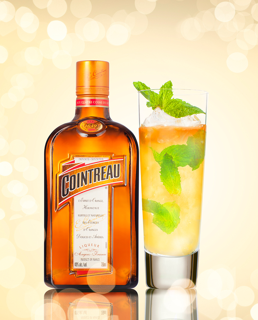 COINTREAU_BOTTLE_DRINK.jpg