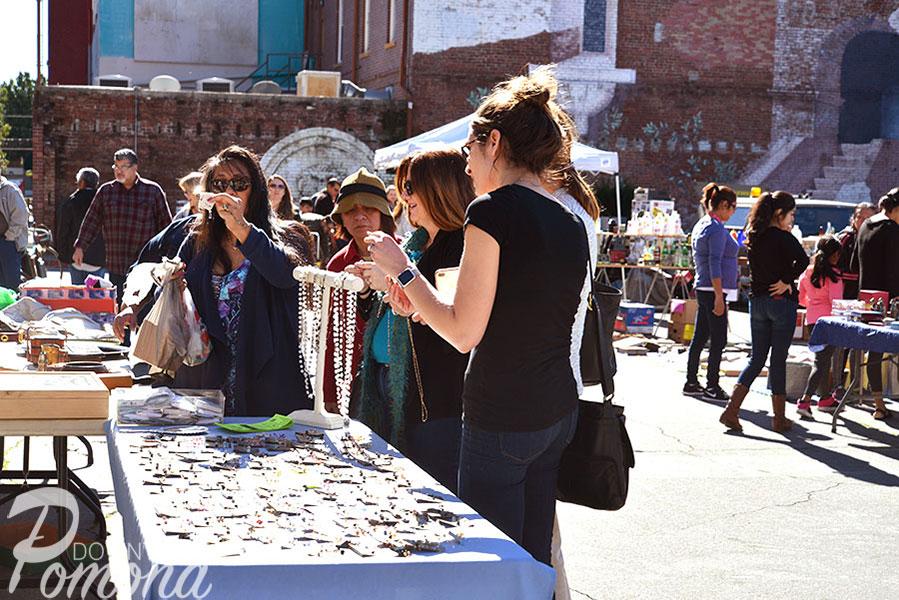 Downtown-Pomona-Collectors-St-Faire12.jpg