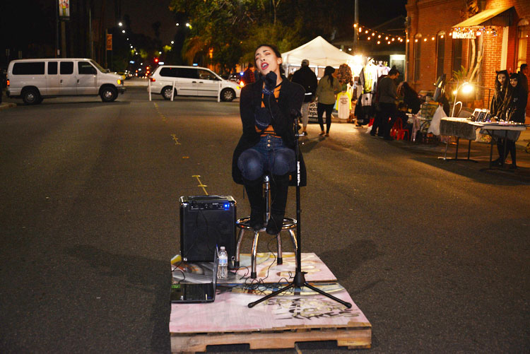 artwalk-12-10-18-16.jpg