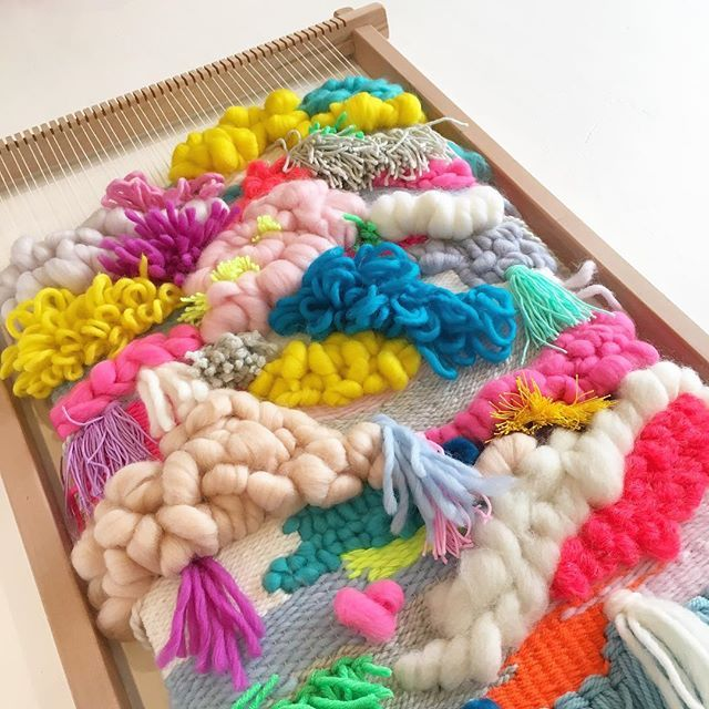 1a2cc4d2619d2cc9392c5b8cb56d3b93--tapestry-loom-tapestries.jpg