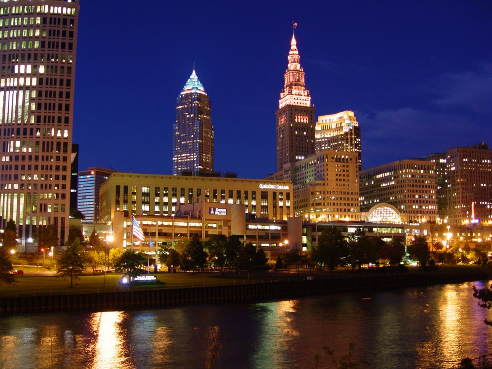 Cleveland-Ohio-Skyline-restored-Terminal-Tower-at-night (14).JPG