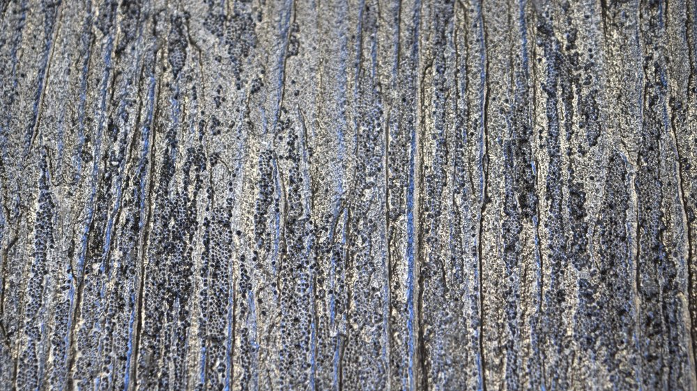 Glitz, glam, shimmer! Texture, metallic and glass beads, this mixed media finish is truly unique. Glass beads, or glitter, can be applied allover,through a stencil or randomly brushed as in this application.