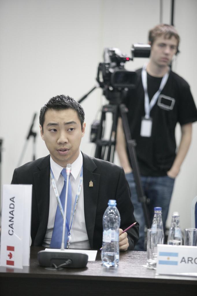 Kevin Vuong at G20 and SPIEF2013-2.jpg