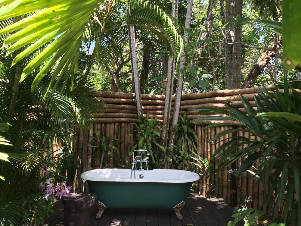 Banheiro externo Fleming Villa.