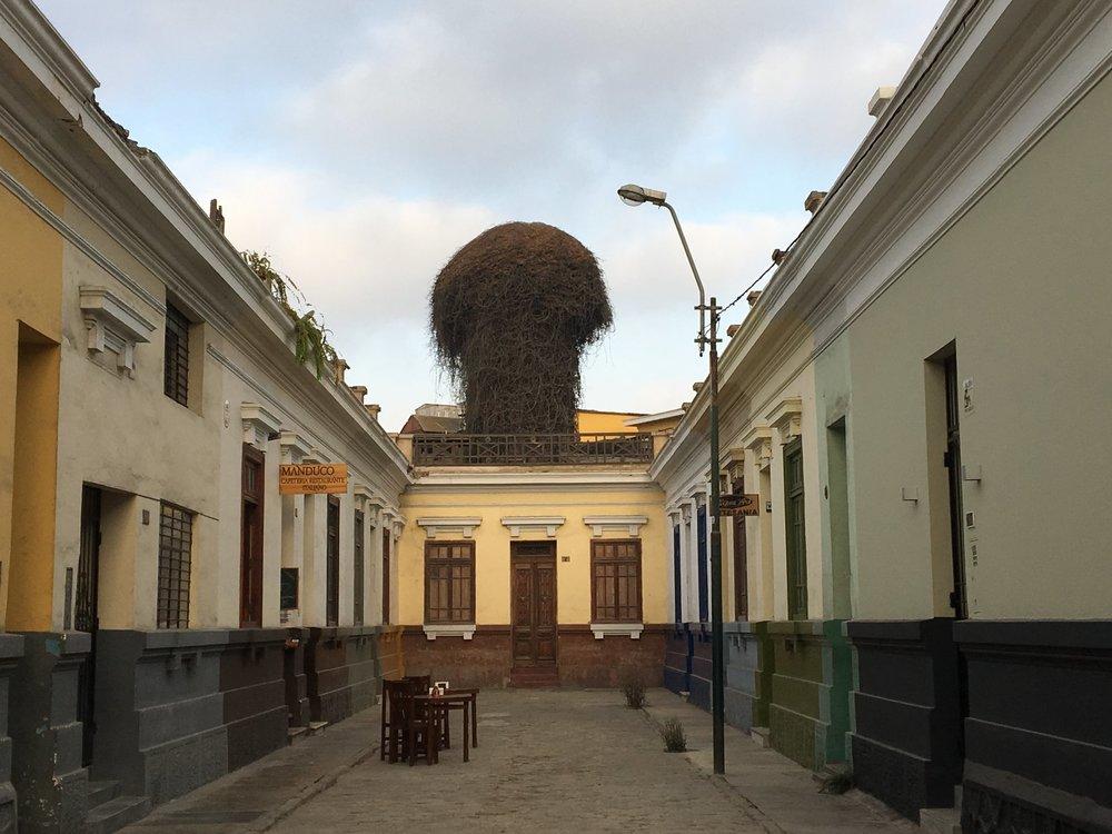 centro da cidade de Lima no Peru andando em Lima.jpg