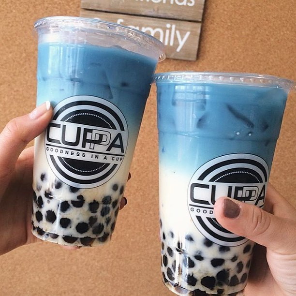 [SF EATS]: Cuppa's coconut island has a beautiful natural blue color made from dried Indonesian flowers. So pretty how could we drink this? 😝 Photo by @cuppasf