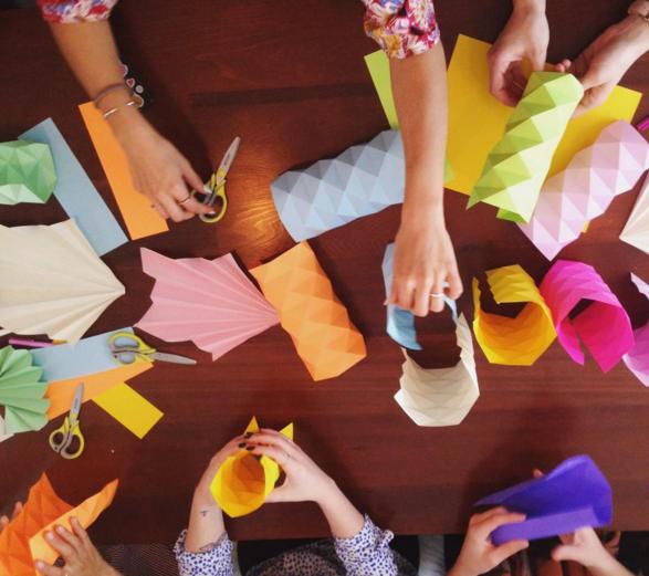 Un atelier d'origami 3D avec Miss Cloudy au Braincamp de juin 2016.
