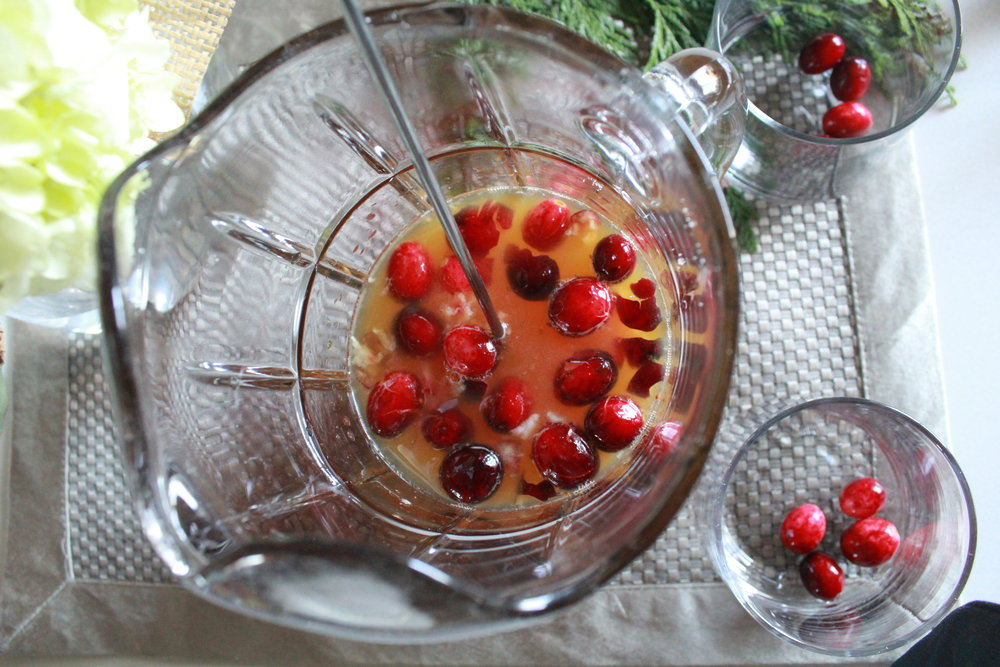 HOLIDAY COCKTAIL FEATURING GENESIS JUICE