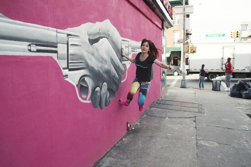 street-art-williamsburg-brooklyn-gun-runner-parkour