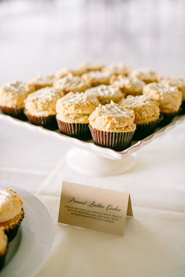 weddingcupcakes.jpg