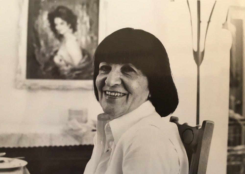 Seder1970s-Anne.jpg