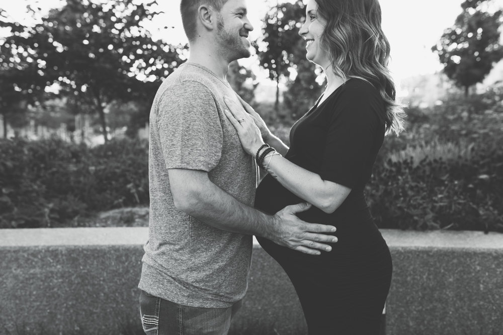 Cincinnati Maternity Photographer