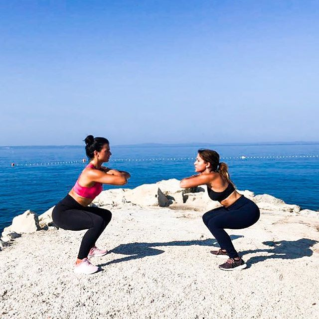 LOVED WORKING OUT on this beautiful beach in Podstrana, Croatia. Looking forward to going back in October for my fitness retreat!  If you haven't secured your spot yet for the youlivelifewell X bodybylara fitness retreat make sure you do it quickly! Only 8 spaces available, link in bio for more info 💪☀️ @bodybylara • • #fitnessretreat #holidayworkout #balance #instafit #croatia #wellnessretreat #nutrition #sundays #workout #fitness
