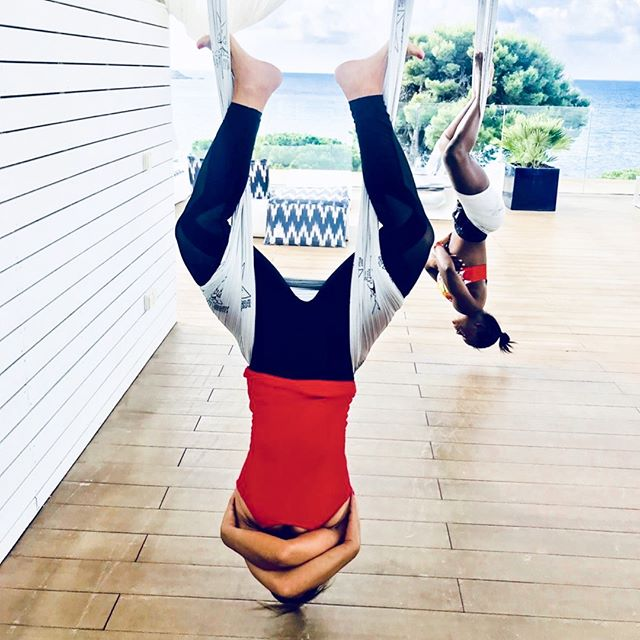 HAPPY FRIDAY 🎉 • Loved this Acro Yoga session I did in Ibiza a few weeks back.  This was my first time trying this type of yoga and it definitely took me out of my comfort zone! • Acro Yoga is a combination of acrobatics and yoga. It requires a lot of core strength to keep your body taught and balanced. In addition to the physical benefits, there is also a therapeutic aspect🧘‍♀️ • It's so important to try new things, stay out of your comfort zone & test your strength. I'd love to hear about the things you do to push yourself, let me know in the comments below! • • #Yoga #AcroYoga #Balance #CoreStrength  #PushYourself #FitnessMotivation #Fitspo #Workout #HealthyLifestyle #YouLiveLifeWell #Ibiza #FitnessRetreat #Relaxation