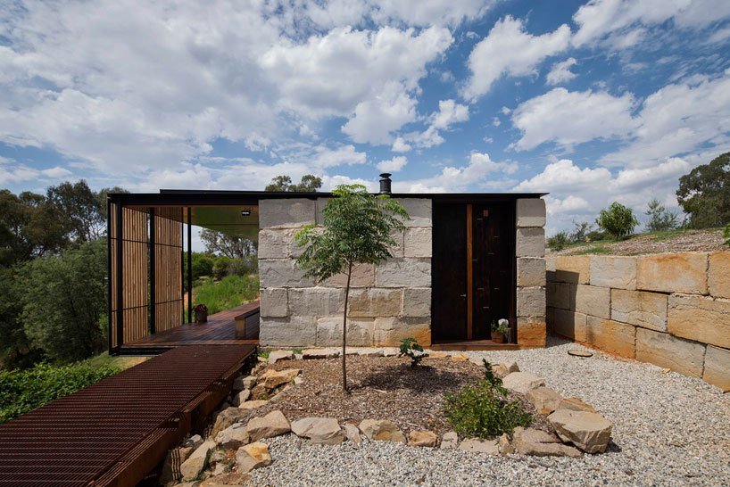 the-sawmill-house-in-victoria-australia-by-archier-7.jpg