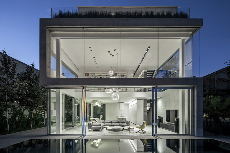 a-modern-concrete-house-10.jpg