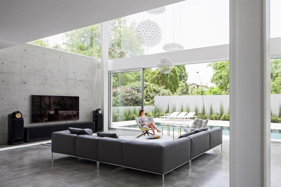 a-modern-concrete-house-4.jpg