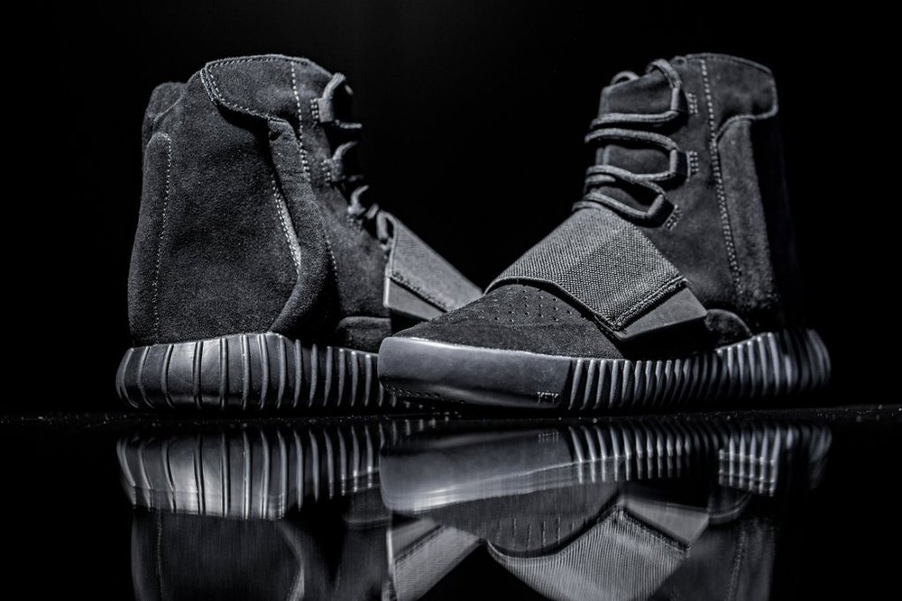 adidas-originals-triple-black-yeezy-boost-750-002.jpg