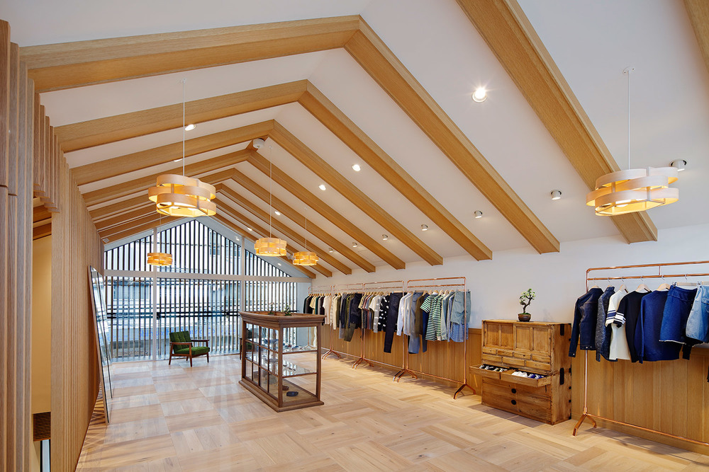 maison-kitsune-store-japan-daikanyama-district-03.jpg