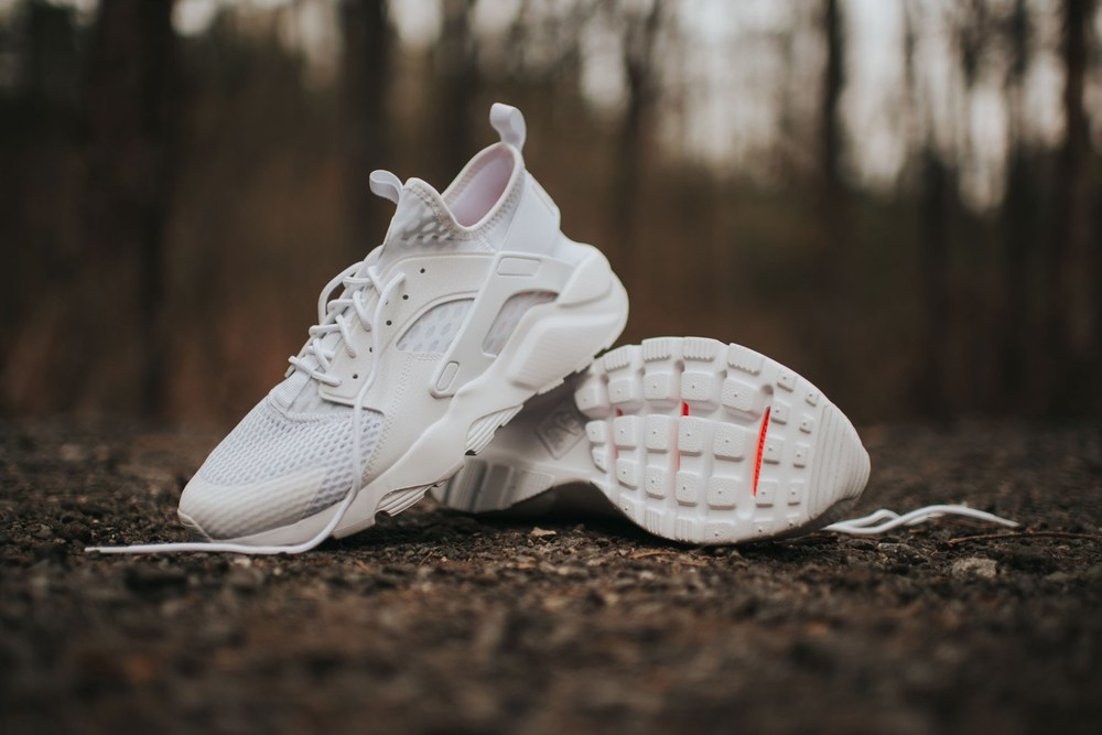 pretty nice bcf0c 4f0ec Nike Air Huarache White On Feet