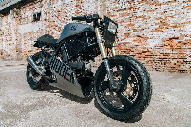 Hidden-Ducati-600SS-3.jpg