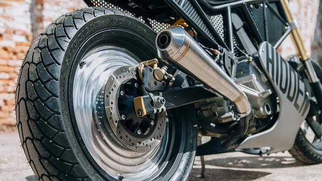 Hidden-Ducati-600SS-6.jpg