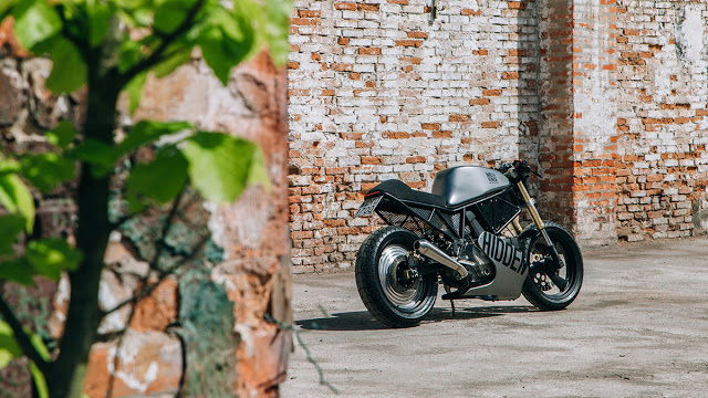 Hidden-Ducati-600SS-2.jpg