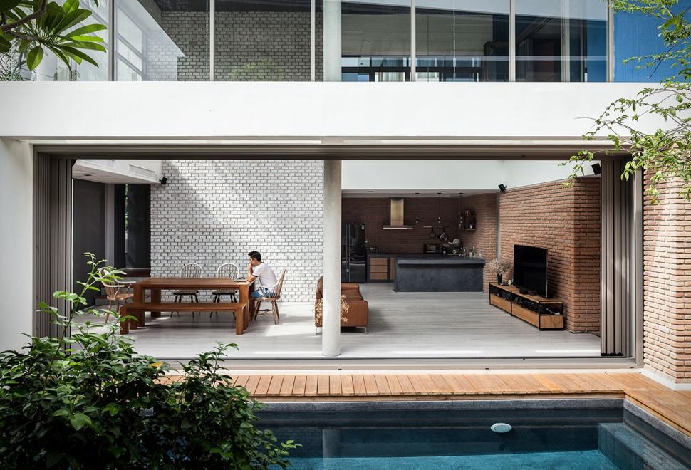 two-houses-at-nichada.jpg