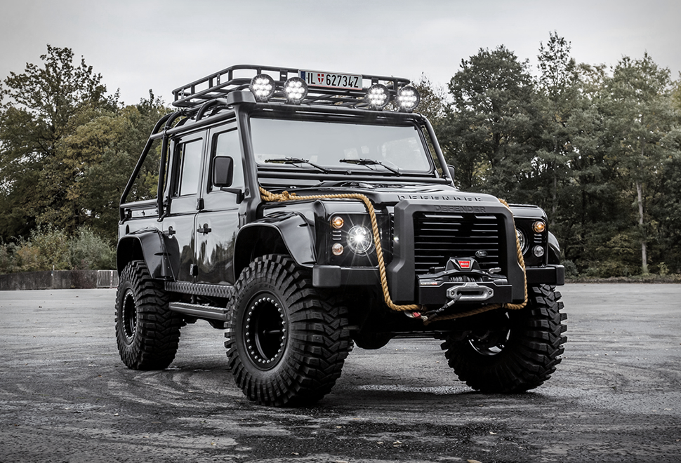 land-rover-defender-tweaked-spectre-edition.jpg