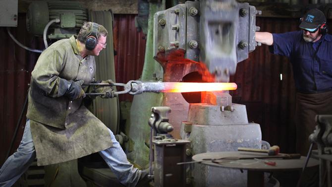 Forging a branch. Roland Dannenhauer (Blacksmith, welder) Camera: Amanda Gibson.