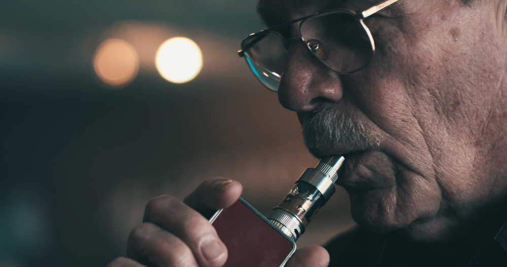 A Billion Lives - Smokers use vaping technology to quit.