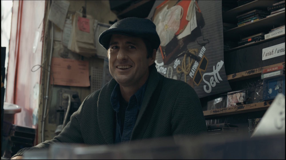 "Luke Wilson as ""Leo"" in   The Girl Who Invented Kissing."