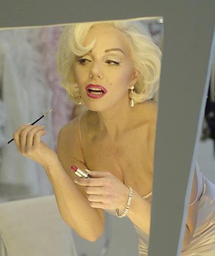 Becoming Marilyn Monroe