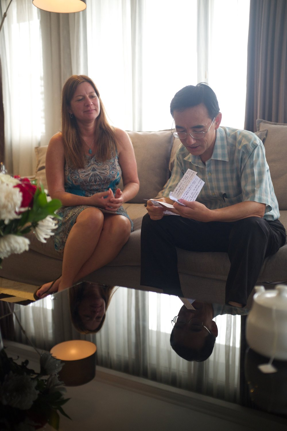 Letter from Masanjia - Sun Yi is reunited with Julie Keith, the woman who found his note in Oregon