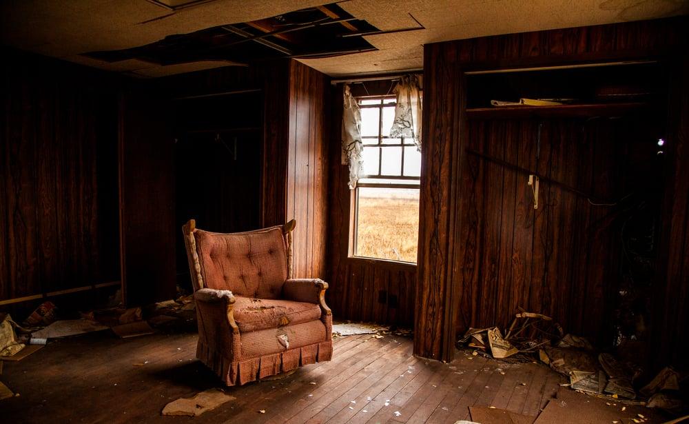 abandoned home-7864.jpg