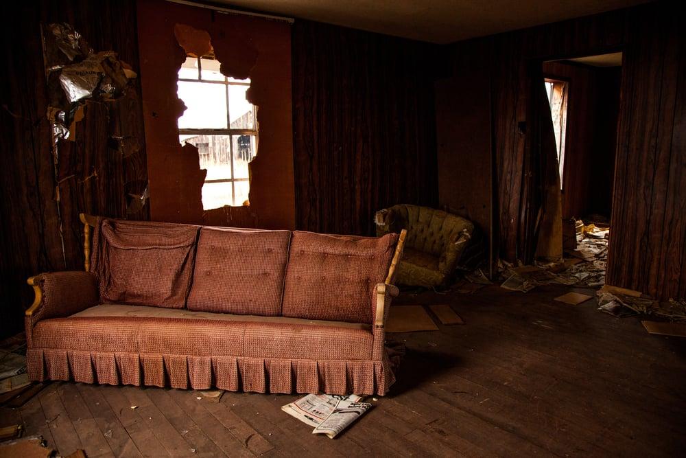 abandoned home-7877 copy.jpg