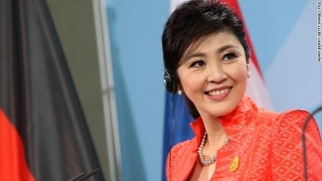 Yingluck Şinavatra. Vallahi güzel kadın.