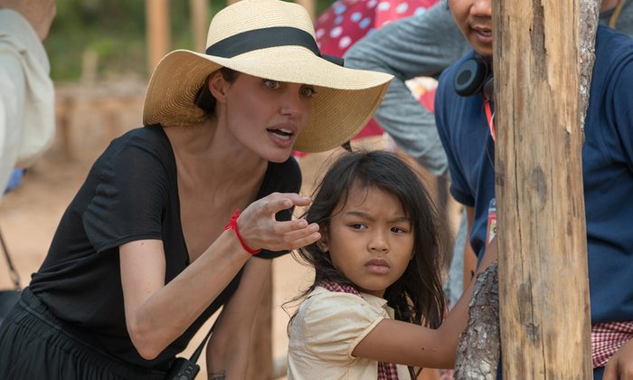 Filmde Loung Ung´u canlandıran minik oyuncu Sareum Srey Moch´un performansına bayılacaksınız.