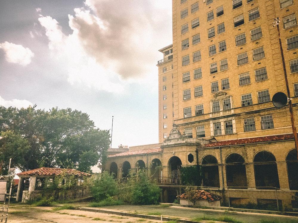 Baker Hotel | Cynthia-7.jpg