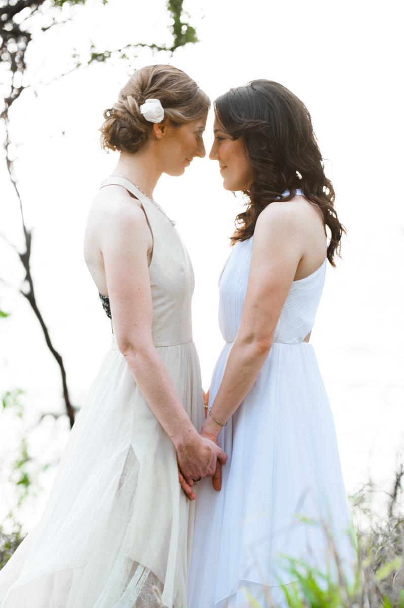 bliss-maui-wedding-kukahiko-estate-amity-mason-photography-sara-sarah-1.jpg