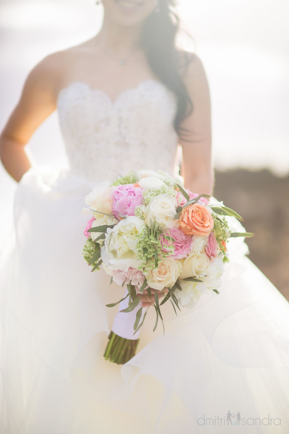 Romantic bridal bouquet by Bliss Maui - photo by Dmitri & Sandra