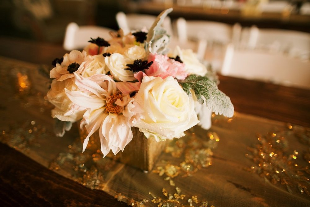 hawaii wedding reception floral decor
