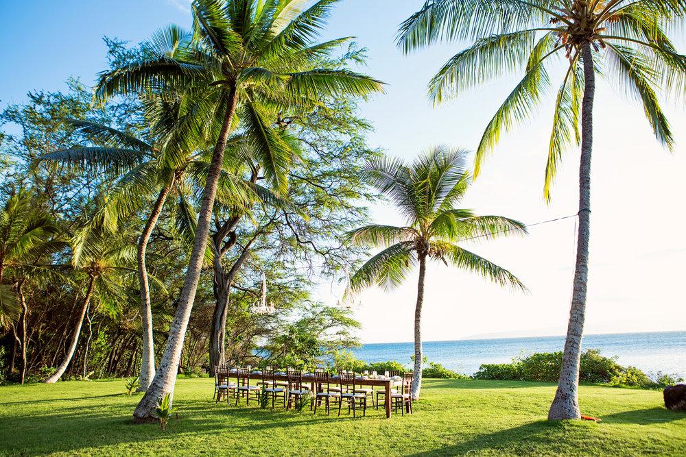 Wedding reception in tropical Hawaii