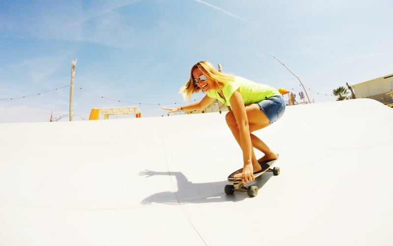 All girls Surfskate Camp