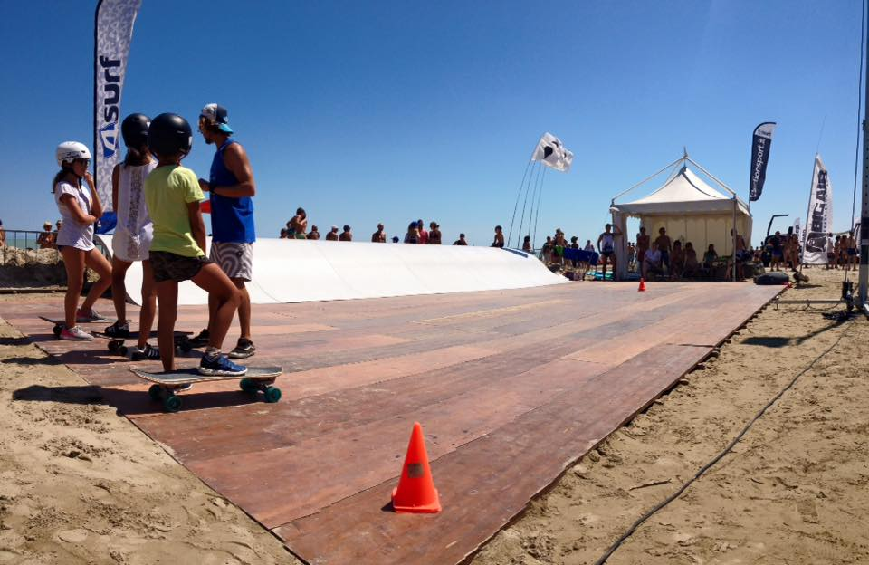 Whitezu Surfskate Wave Backyard Model