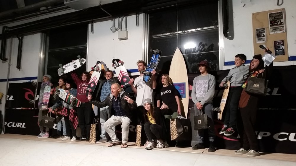 K&K Garage Surf Hut - Surfskate Wave contest